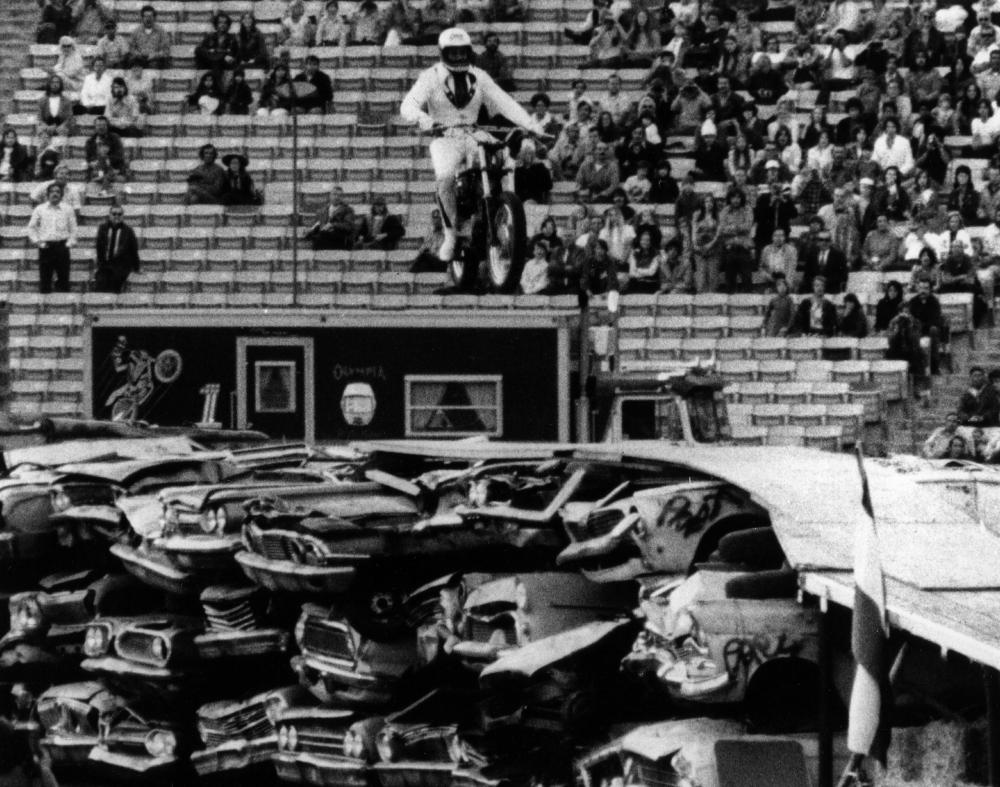Evel-Live-Cars