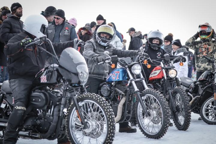 Harley Drag on ice - Moto - Oneland